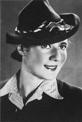 Prewar portrait of Ala Gartner, who was later imprisoned in the Auschwitz camp.