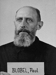 Paul Blobel, acusado durante el juicio de los Einsatzgruppen...