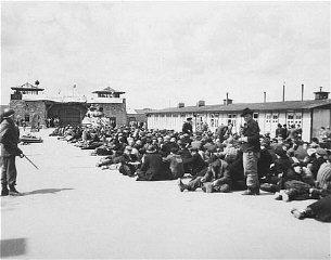 Survivants du camp de concentration de Mauthausen après...