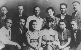 A group portrait of some of the participants in the uprising at the Sobibor killing center.