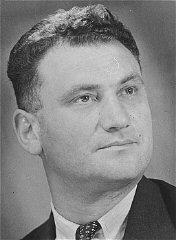 Potret Tuvia Bielski pasca perang.