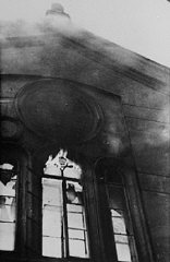 The Neue Weltgasse synagogue burns during the Kristallnacht...