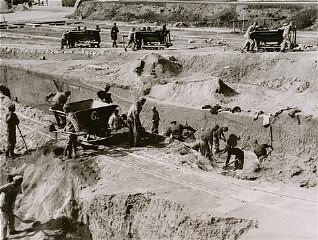 Forced labor in the quarry of the Mauthausen concentration...