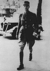 독일 프랑스 휴전 이후 영국에 도착한 프랑스의 지도자 샤를 드 골(Charles de Gau...