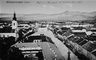 Prewar view of the Transylvanian town of Sighet.