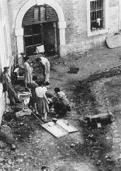 Preparation of food in the Theresienstadt ghetto.