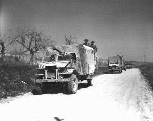 Soldats et véhicules de la Brigade juive, ayant participé...