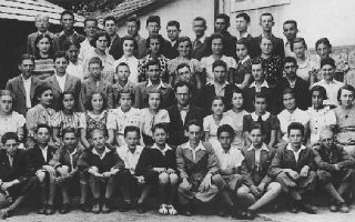 Group portrait of students and teachers at the Hebrew...