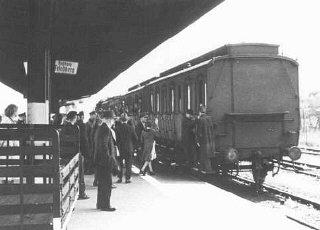 Deportación de judíos alemanes de Hanau a Theresien...
