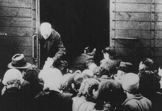 Deportation of Jews from the Westerbork transit cam...