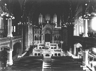 An interior view of the Sephardic synagogue on Luet...