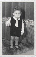 Jewish child Hans van den Broeke (born Hans Culp) in...