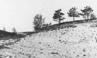 Site where members of Einsatzgruppe A (mobile killing unit A) and Estonian collaborators carried out a mass execution of Jews in