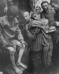 Anciens détenus de Wöbbelin, un sous-camp de Neuengamme...