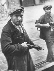 Deux partisans juifs lors du soulèvement de Marseille...