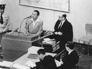 Henryk Ross testifies during Adolf Eichmann's trial...