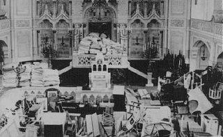 Sinagoga do Gueto de Szeged utilizada como depósito...