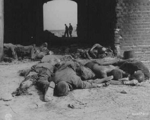 Burned bodies of former prisoners of Rottleberode...