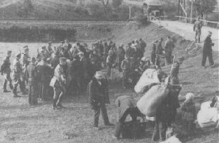 Assembly point for Poles displaced by the German Race and Resettlement Main Office (RuSHA).