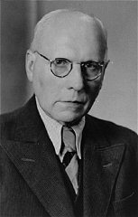 Franz Kusserow, a Jehovah's Witness, was imprisoned...