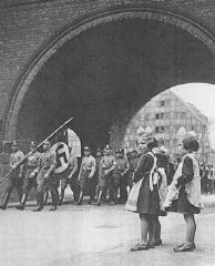 Members of the SA enter Danzig in 1939.