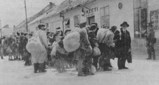 Déportation de Juifs par les autorités hongroises.