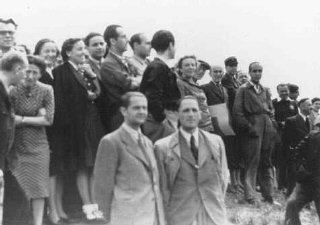 Escena organizada por los nazis con motivo de la inspección...