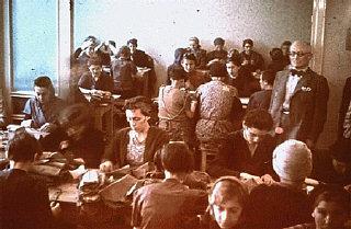 Donne ebree ai lavori forzati in un laboratorio di...