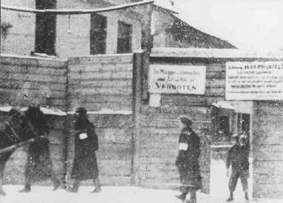 The Rudnicki Street entrance to the Vilna ghetto.19...