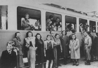"Jews from the ""Kasztner train"" arrive in..."