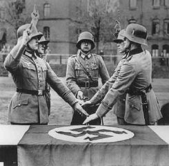 Members of a military unit swear allegiance to Hitl...