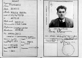 False identity card of Jewish partisan Vittorio Finzi, issued in the name of Vittorio Rossi.