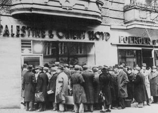 German Jews try to emigrate to Palestine; long lines...