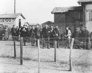 Prisioneros, probablemente judíos nacidos en el extranjero...