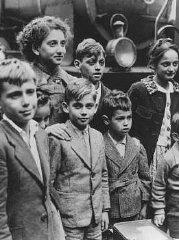 Niños refugiados judíos sacados por contrbando de Francia...