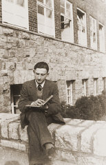 Gerd Zwienicki studies outside the Wuerzburg Jewish...