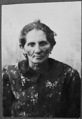 Portrait of Hana Ergas, wife of Isak Ergas.