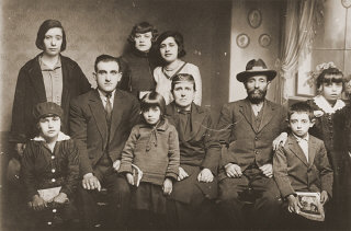 Portrait of the family of Mushon and Rebeka Kamchi...
