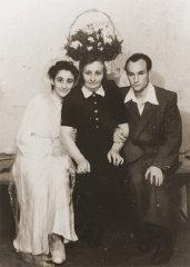 Wedding portrait of former Bielski partisan, Berl K...