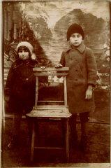 1929 portrait of Norman with his niece, Szandla Wei...
