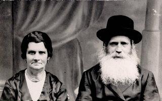 Prewar portrait of Norman's parents, Isak and Ester...