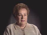 Barbara Marton Farkas. Décrit la déportation de Hongrie...
