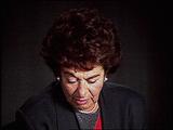 게르다 바이스만 클라인(Gerda Weissmann Klein). 게르다는 체코슬로바키아에서 미군에 의해 해방되던 당시 상황에 대하여 증언하였다.