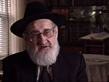 Moses Zupnik. Describes facilities for the Mir Yeshiva...