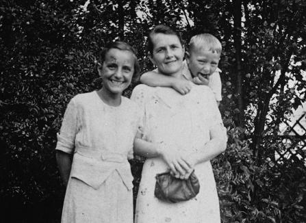 Helene Gotthold and her family.