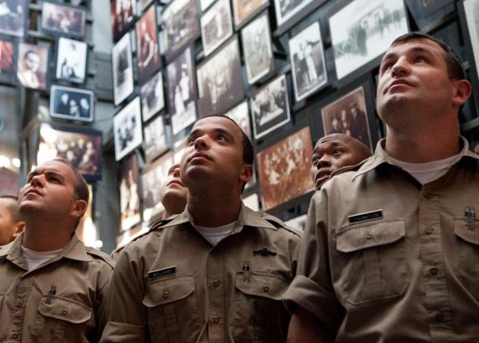 Philadelphia police recruits tour the Museum