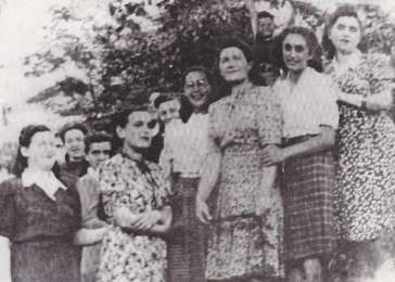 Photograph of the sisters taken in 1944. Left to right: Goldie, Chana, Esther (in glasses), Borishka, Adel, Bina.