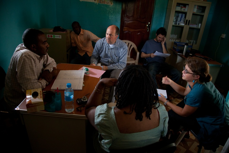 Michael Abramowitz (center) director of the Museum&#8217;s Center for the Prevention of Genocide, meets with aid workers in South Sudan as part of a fact finding mission. The mission took place shortly before a referendum on southern independence, which carried with it the increased risk of violence. <i>Lucian Perkins for US Holocaust Memorial Museum</i>