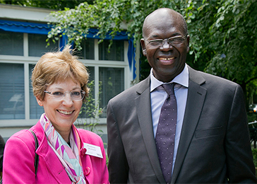 Ambassador Prudence Bushnell (left), US deputy assistant secretary of state for African affairs, and Bacre Ndiaye (right), special UN rapporteur on extrajudicial, summary, or arbitrary executions (1992–98), gather for lunch at The Hague Institute for Global Justice.