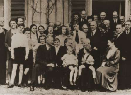Dietrich Bonhoeffer (far left), with his family